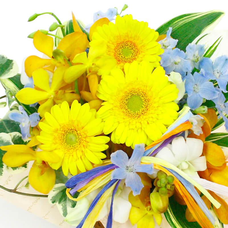 旬のお花を色とりどりにミックスしたアレンジメントフラワー