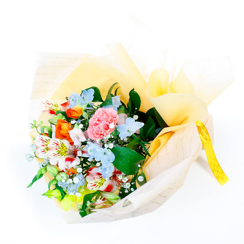 旬のお花を色とりどりにミックスしたブーケ