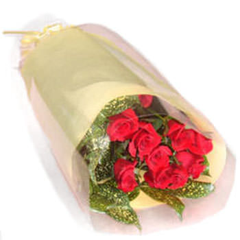 赤いバラ10本のブーケです