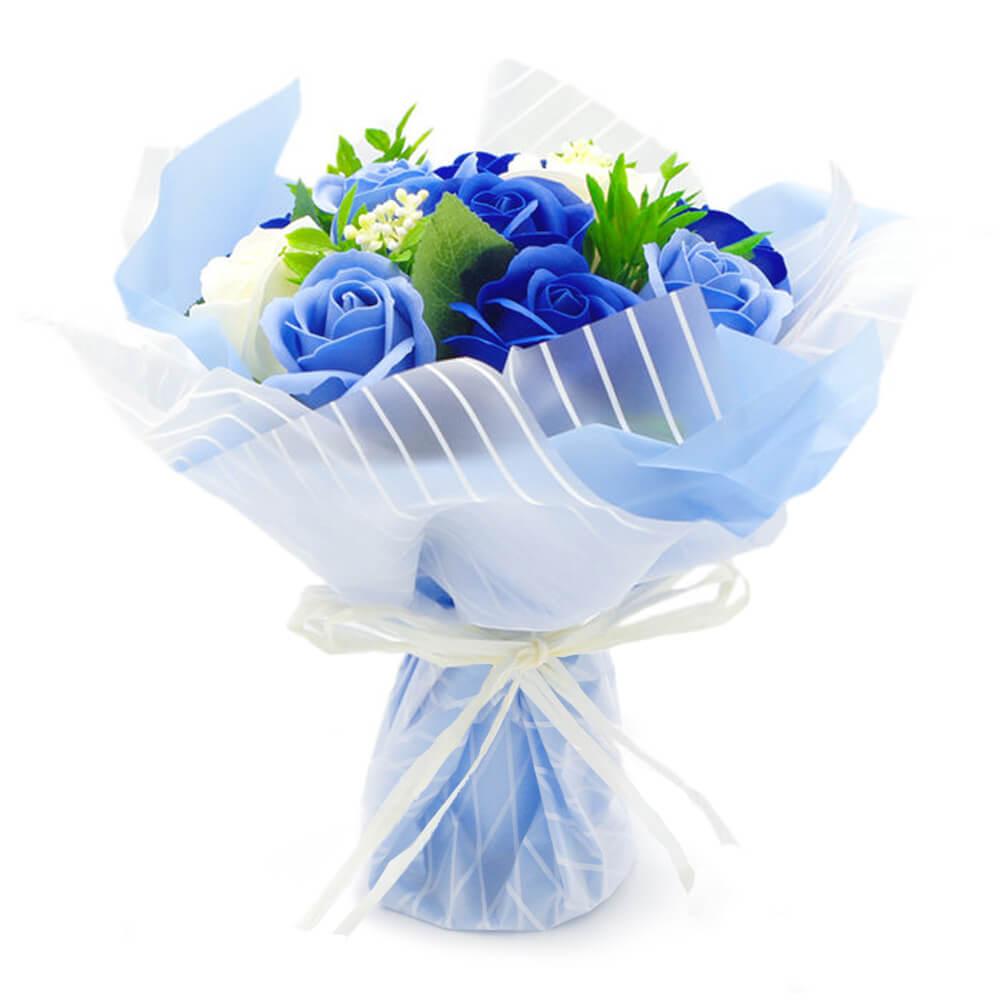 お花と同系色のラッピングで華やかに包装