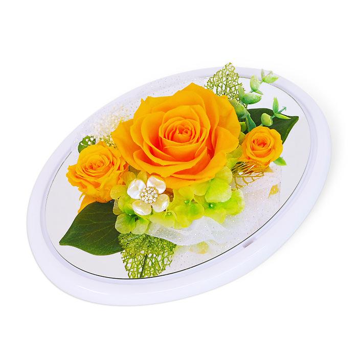 オレンジのバラとホワイトのフレーム