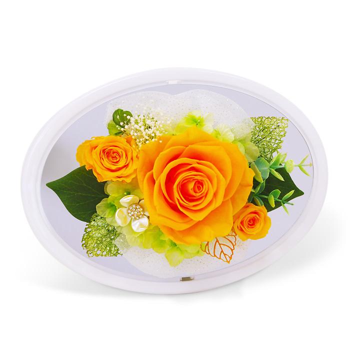 明るく爽やかな印象を与えるドーム型アレンジ