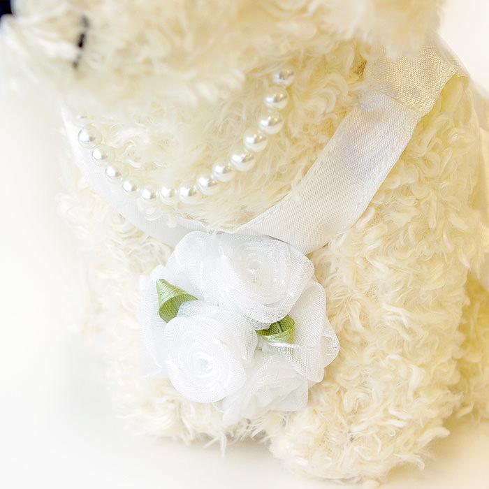 かわいらしい純白のウェディングドレス