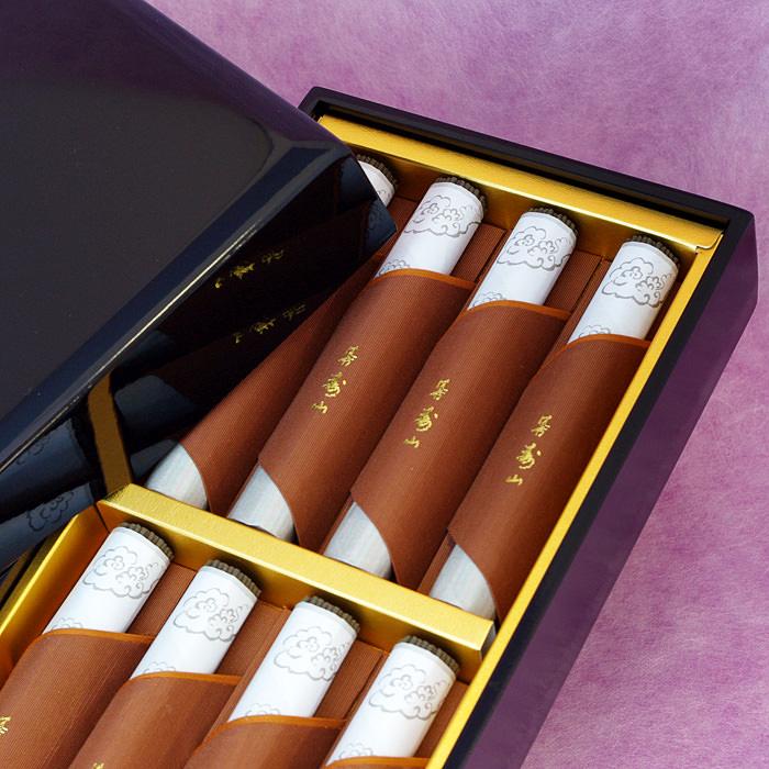 日本香堂の漆箱入りご進物用お線香です