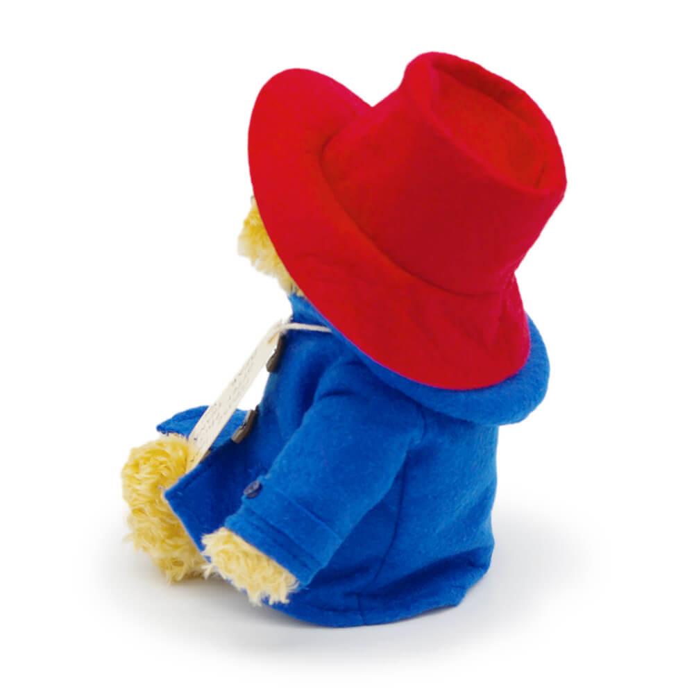 パディントンのトレードマークの帽子とダッフルコート