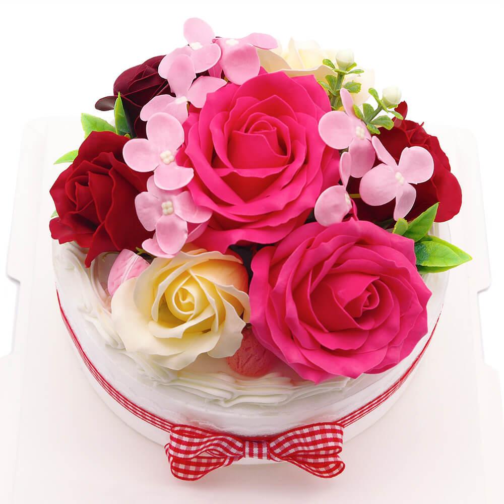 鮮やかなお花がお部屋の雰囲気を華やかに